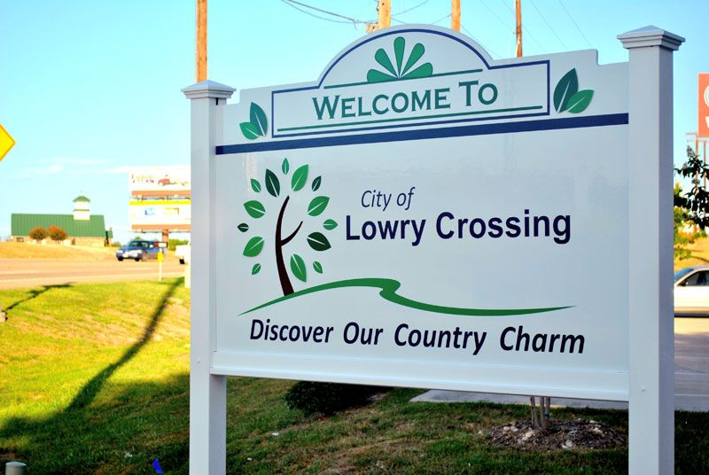 Welcome to Lowry Crossing